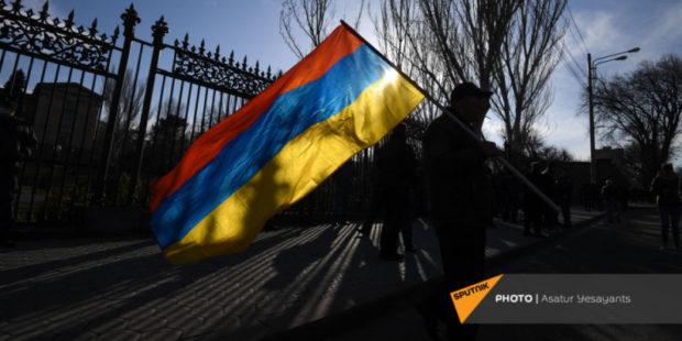 Предвыборная кампания в Армении может спутать всем карты – политтехнолог