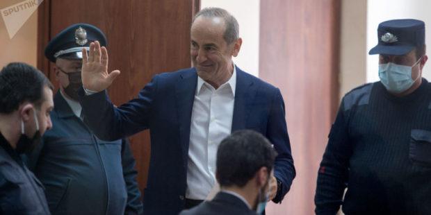 Суд пытается выяснить нынешний статус Кочаряна и Геворкяна