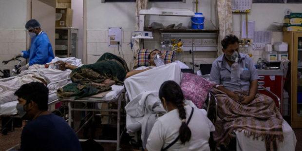 """В Индии сообщили о первой смерти заболевшего штаммом коронавируса """"дельта плюс"""""""