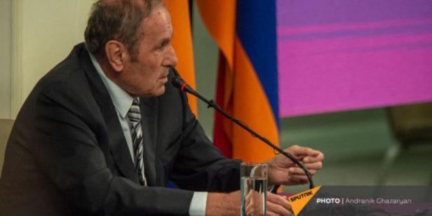 В вопросе Карабаха у Армении союзников нет, и нужно исходить из этого - Тер-Петросян