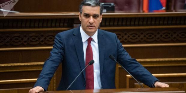 """""""Замкнутый круг оскорблений"""": Арман Татоян призвал политиков не вносить раскол в общество"""