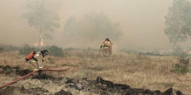 К четырем поселкам Челябинской области подступили лесные пожары