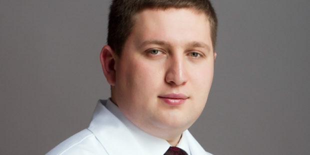 36-летний глава облздрава Ивановской области Артур Фокин привился от коронавируса