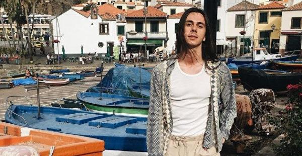 Украинский дизайнер одежды полностью отказался от нее в Португалии