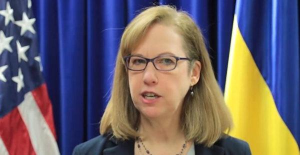 Подвинула Кента: Квин вернула свое место временно поверенной по делам США на Украине