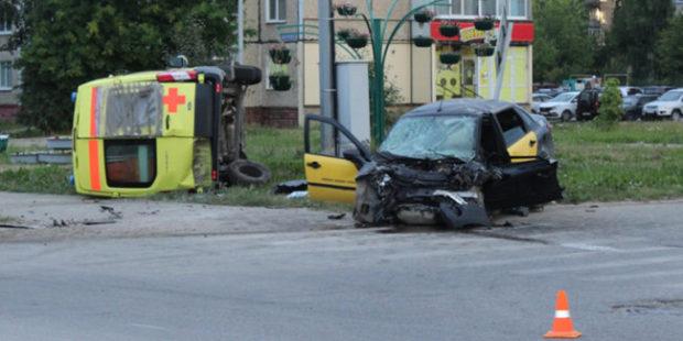 В Прикамье автомобиль скорой помощи попал в ДТП
