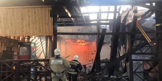 В Геленджике 100 человек эвакуировали из-за крупного пожара