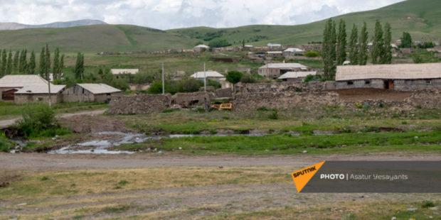 Азербайджанские ВС порядка 30 минут обстреливали территорию села Верин Шоржа - Татоян