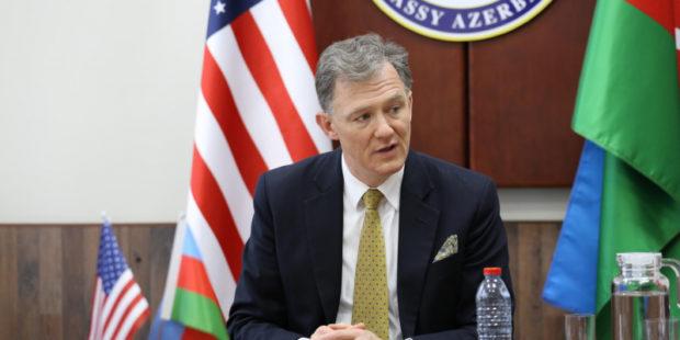 Американский дипломат отверг открытое участие США в диалоге по Донбассу