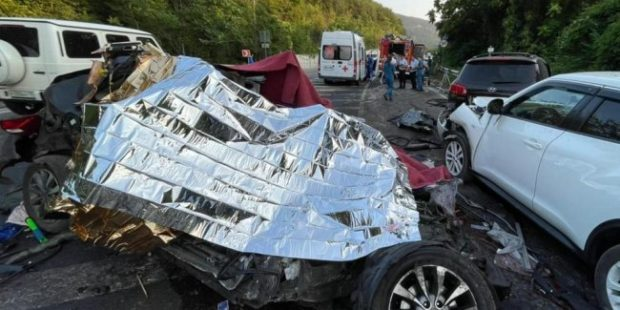 В Севастополе пять человек погибли в автокатастрофе с грузовиком