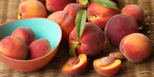 Думаете персик полезен?