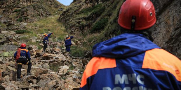 Три москвича попали под камнепад в Кабардино-Балкарии