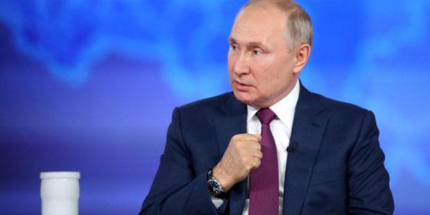 """""""Я несколько месяцев думал о ней"""": Путин прокомментировал свою статью по Украине"""
