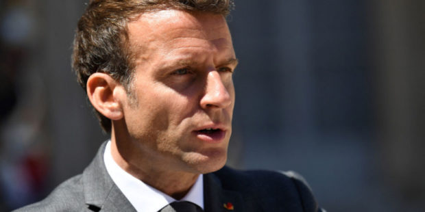 """""""Нет свободы без обязательств"""": Макрон призвал французов к единству"""