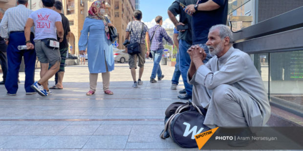 Страшные очереди и пекло: сколько тратят иранцы в Армении, приезжающие ради вакцины