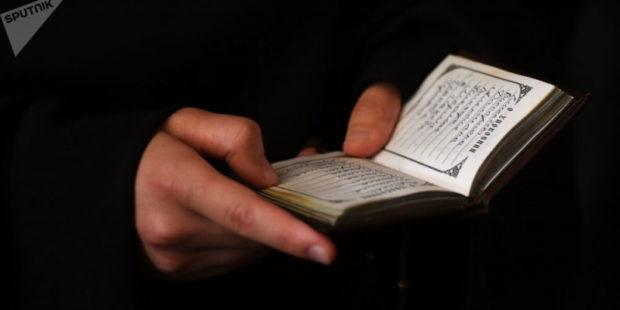 Священник успокоил верующих, опасающихся биочипов для тестирования на COVID