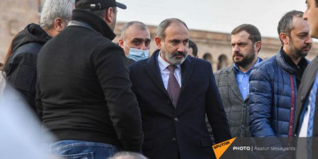 Верность или профессионализм - эксперт о принципах кадровых перестановок во власти Армении