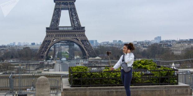 Во Франции приняли закон о санитарных пропусках