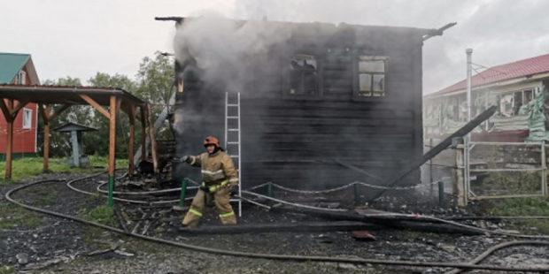 В Архангельской области родители с двумя детьми погибли при пожаре