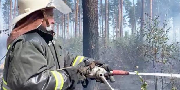 За сутки в Якутии ликвидировали 10 лесных пожаров из 166