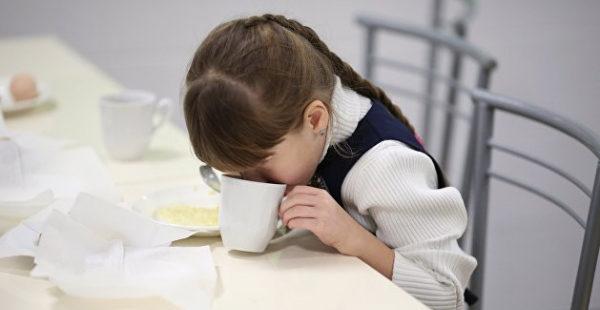Украинские школьники едят сахара в три раза больше нормы - Ляшко