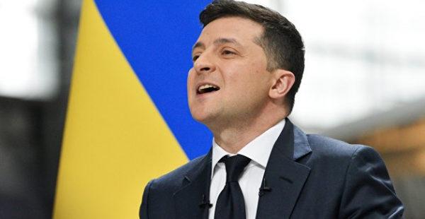 Азаров пояснил, почему Зеленский не годится в президенты