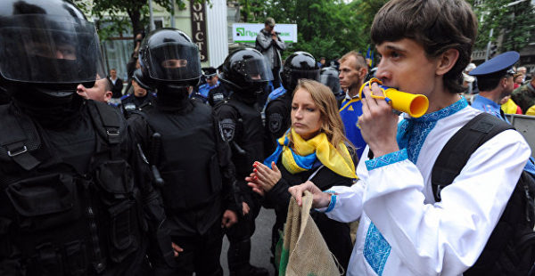 Эксперт описал, что начнется на Украине, если там и дальше будут угнетать русский язык