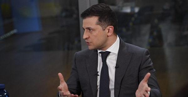 Вопреки закону и решению суда: Зеленский дал большое интервью на русском языке