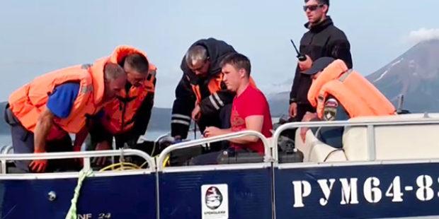 На Камчатке возобновлены поисковые работы на Курильском озере