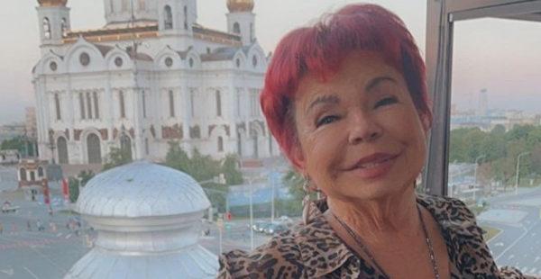 «Уймись уже»: 75-летняя мать Королевой показала, как завлечь султана