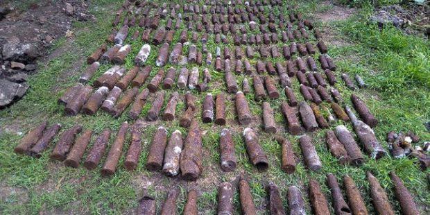 На Кубани возле дома обнаружили более 300 боевых снарядов