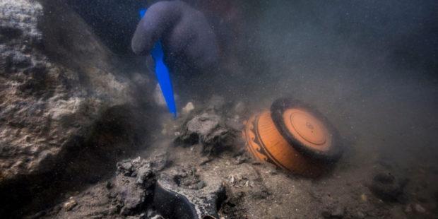 Археологи нашли невероятные сокровища в затонувшем древнегреческом городе у берегов Египта
