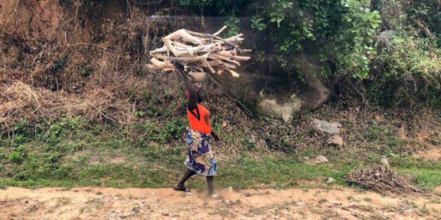 Боевики в Нигерии похитили по меньшей мере 60 жителей деревни