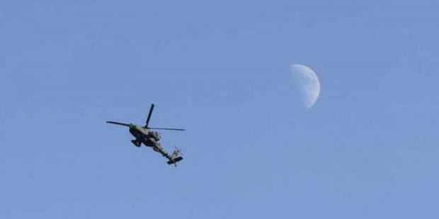 """Американские коммандос применили вертолеты Apache в аэропорту Кабула: видео """"очистки"""" взлетной полосы"""