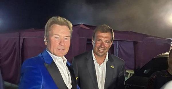 «Газманов в нагрузку»: в Одесской области спел артист из России