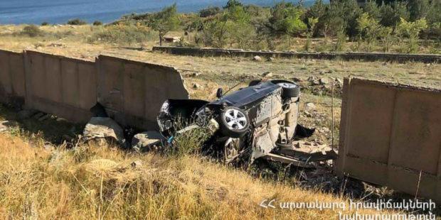 ДТП в Гегаркуникской области Армении: водитель погиб, пассажир госпитализирован