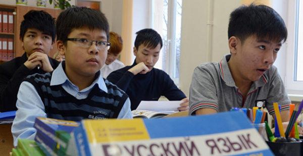 В Украине хуже всего, в Прибалтике неплохо. Эксперт о русском языке в бывшем СССР