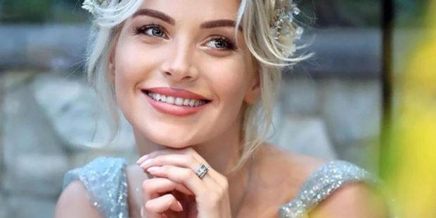 Фото. Самая красивая армянская модель и актриса впервые стала мамой