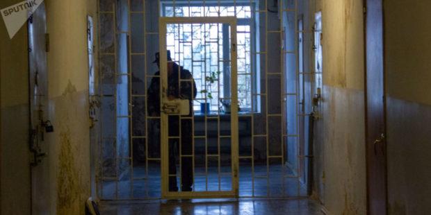 Групповой осмотр и никаких архивов։ Татоян о серьезных нарушениях в тюремной больнице