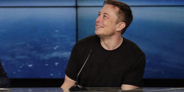 Илон Маск живет в сборном домике за $50 тысяч