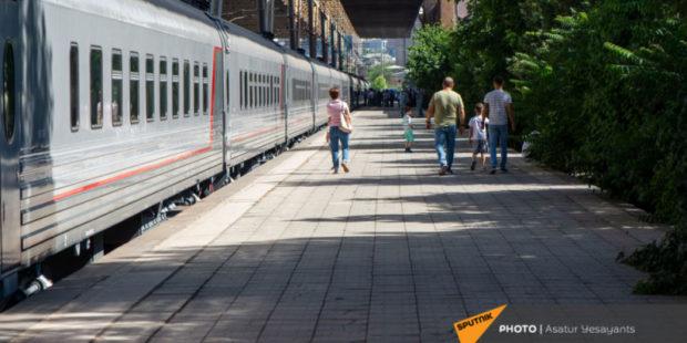 На железной дороге в Армении ужесточаются правила ношения масок