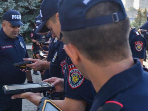 Полицейских в Сюнике бесплатно обучают русскому языку