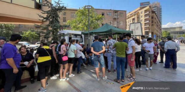 Полностью прививки от коронавируса в Армении получили без малого 100 тысяч человек