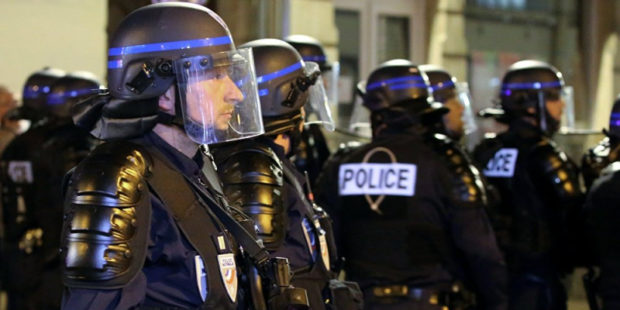 Во Франции мужчина открыл огонь по полицейским и был ранен