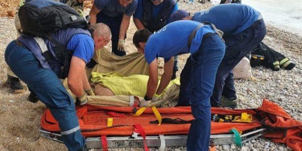 В Севастополе при обвале на пляже пострадали два человека