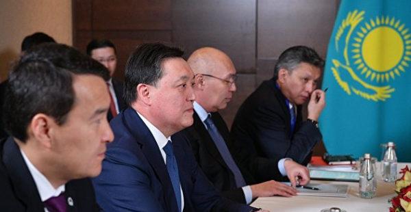 Казахстанский эксперт сказал, что будет, если Астана будет заигрывать с нацистами ради уступок РФ
