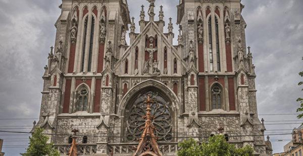 «Второй Нотр-Дам»: в Киеве чуть не сгорел костел Святого Николая