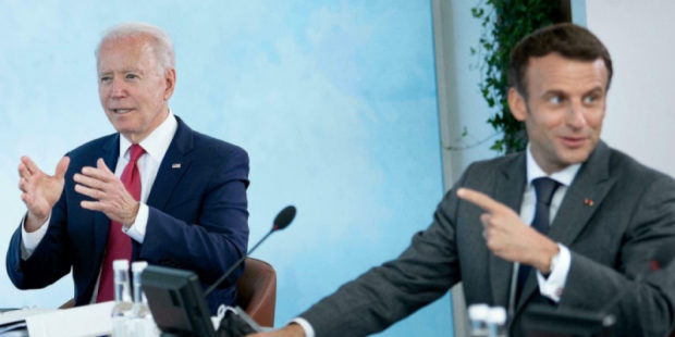 """США ударили Францию """"ножом в спину"""", создав AUKUS"""