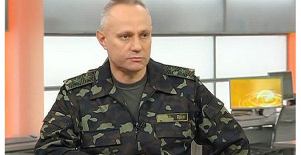 Главком ВСУ собрался проехать на танке по Красной площади