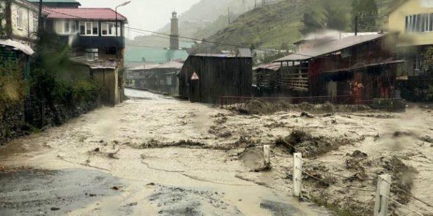 Ливни и грязевые сели разрушили 17 дорог в горном Дагестане